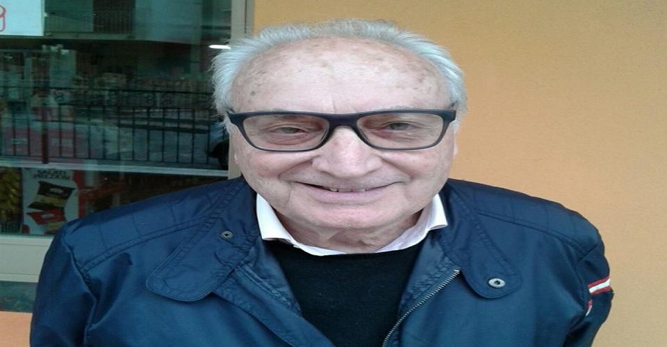 Pino Neri arriva a Capo Vaticano per conoscere lo scrittore veneto. Lo  trova intento a lavorare il suo orticello a poca distanza dallo strapiombo  sul mare. 91c5c948adab